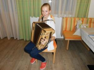 Stefanie Harmonika klein