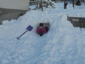 schneehöhle klein 2